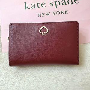 ❤Kate Spade Medium Bifold wallet